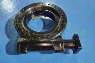 PE14 precision full protection worm gear worm shaft type slewing drive