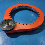Three series heavy load external gear full protection spur gear slew drive
