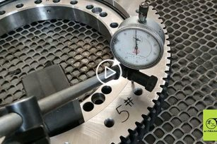 The assembly process and finished product display about SP-I-O Series spur gear slew drive