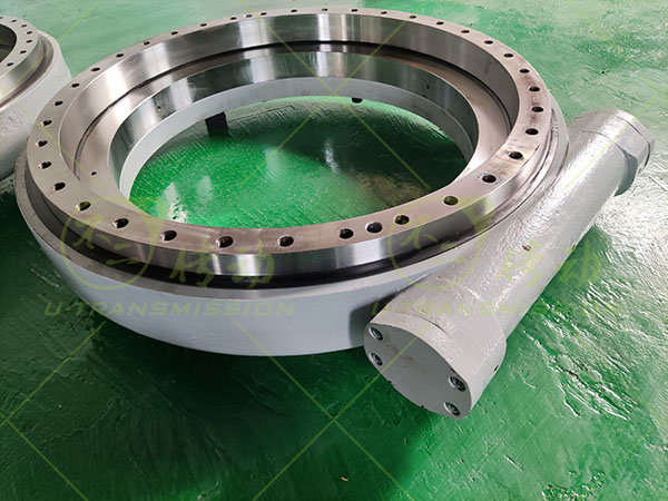 WEA35 precision worm gear worm shaft slewing drive