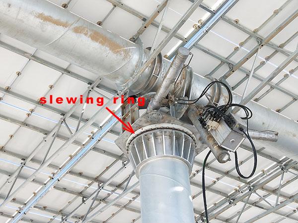 Slewing bearing in heliostat