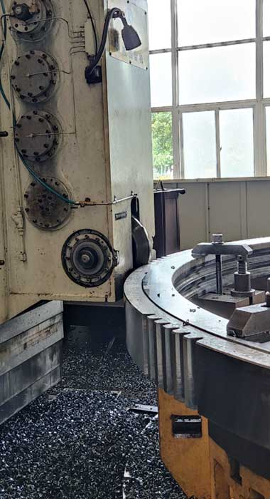 Slewing ring tooth machining